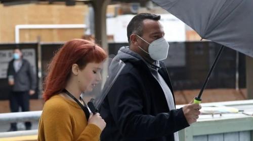 Jennifer Lawrence syuting Don't Look Up di South Station, Boston, bersama Leonardo Dicaprio. (Foto: Globe Staff)