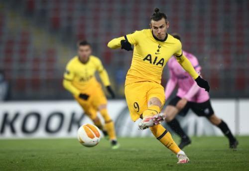 Gareth Bale mencetak gol dari titik putih (Foto: Reuters/Lisi Niesner)