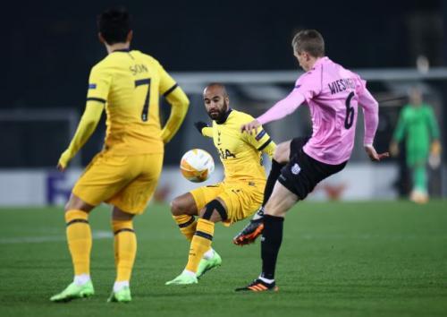 Aksi Lucas Moura di laga LASK Linz vs Tottenham Hotspur (Foto: Reuters)