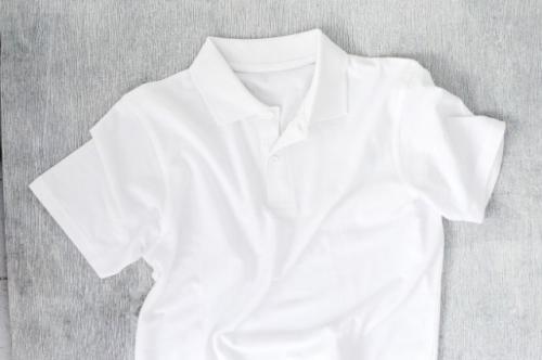 Baju putih. (Foto: Racool Studio/Freepik)
