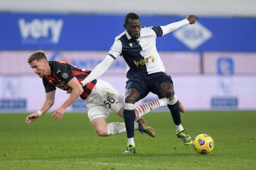 Suasana laga Sampdoria vs AC Milan (Foto: Reuters/Jennifer Lorenzini)