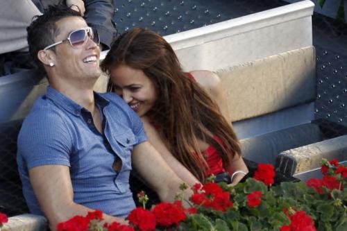 Cristiano Ronaldo dan Irina Shayk (Foto: Reuters)