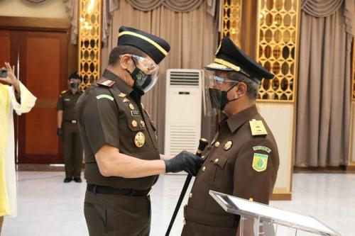 Jaksa Agung Burhanuddin saat pelantikan sekretaris jaksa agung muda serta pejabat eselon II. (Foto : Dok Puspen Kejagung)
