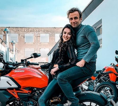 Veronika Thielova dan Johann Zarco