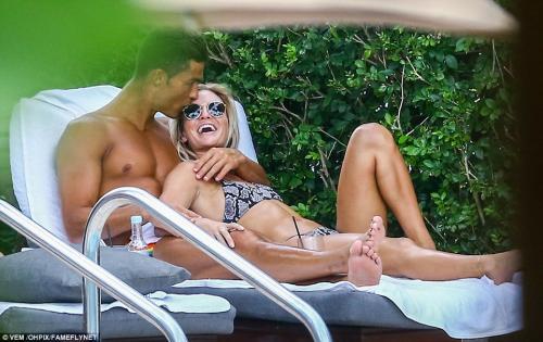 Cristiano Ronaldo dan Cassandre Davis