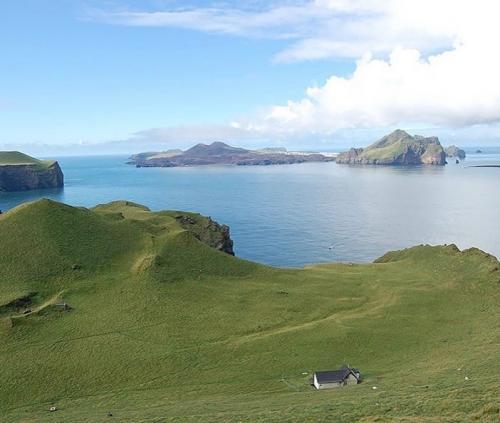 Rumah paling sepi di dunia ada di Islandia. (Foto: Instagram @theclutchcorner)