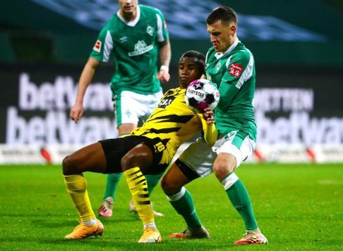 Suasana laga Bremen vs Dortmund