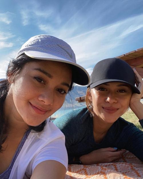 Naysila dan Nana Mirdad.