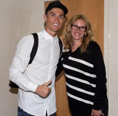 Cristiano Ronaldo dan Jennifer Lopez