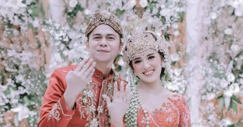 Handika Pratama dan Rosiana Dewi
