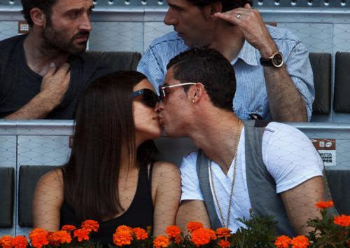 Irina Shayk dan Cristiano Ronaldo (Foto: Istimewa)
