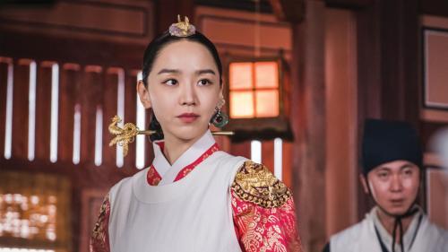 Shin Hye Sun dalam Mr. Queen. (Foto: tvN)