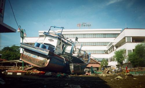 Tsunami Aceh (Foto : Antara)