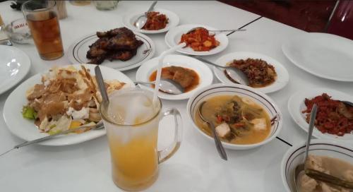 Menu Makanan di RM Kentjana, Cirebon
