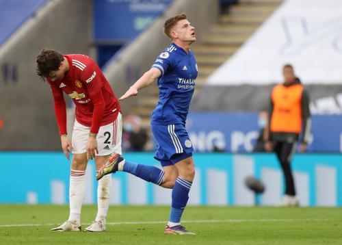 Harvey Barnes cetak gol ke gawang Man United (Foto: Reuters)
