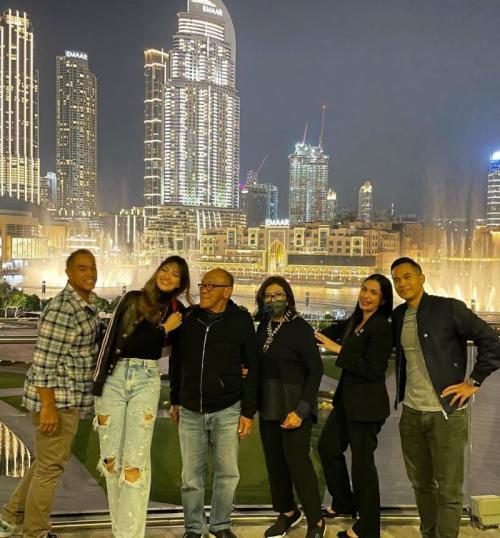Nia Ramadhani liburan di Dubai