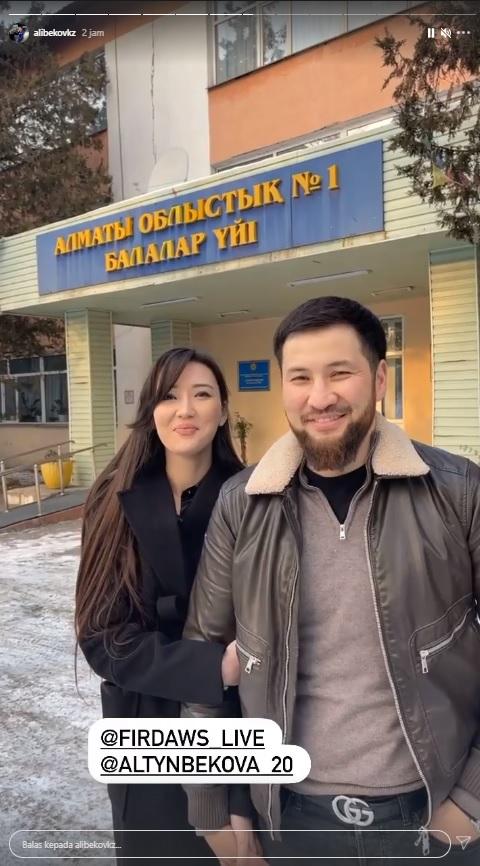 Sabina Altynbekova bersama suami
