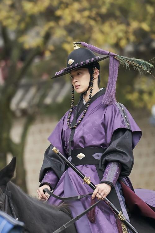 Jang Dong Yoon.