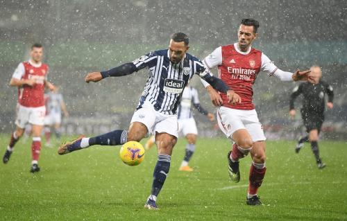 Matt Phillips gagal jebol gawang Arsenal (Foto: Reuters/Michael Regan)