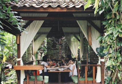 Restoran Kampung Daun
