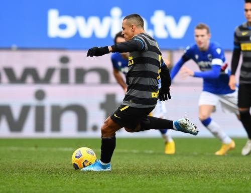 Alexis Sanchez gagal eksekusi penalti (Foto: Inter Milan)