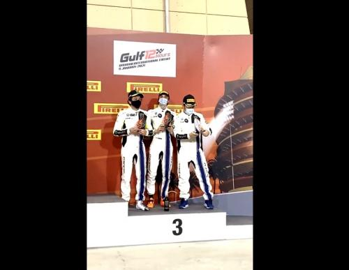 Tim VR46 naik podium