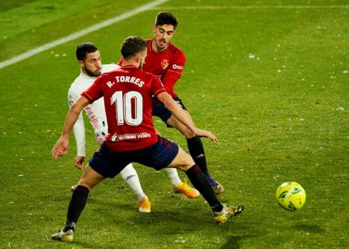 Real Madrid diimbangi Osasuna (Foto: Reuters/Vincent West)