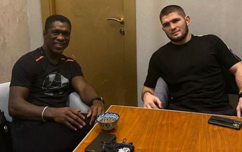 Clarence Seedorf dan Khabib Nurmagomedov (Foto: Instagram/@khabib_nurmagomedov)