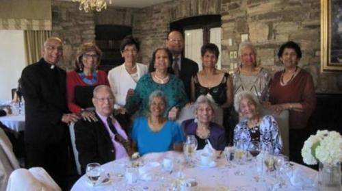 Keluarga D'Cruz Siblings cetak rekor dunia karena miliki gabungan usia tertinggi. (Foto: Oddity Central)