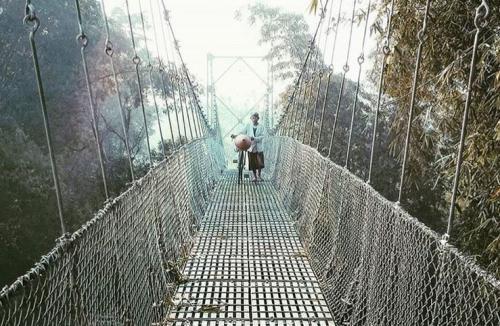 Jembatan Gantung Bawuran