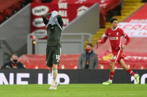 Bruno Fernandes vs Liverpool (Foto: Reuters)