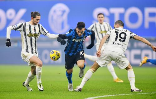 Inter Milan vs Juventus (Foto: Reuters)