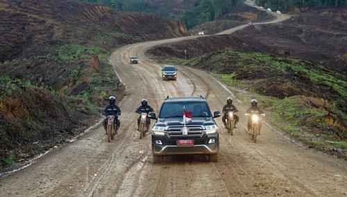 Mobil Land Cruser Jokowi
