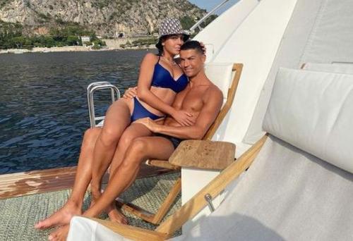 Georgina Rodriguez bersama Cristiano Ronaldo