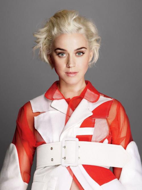 Katy Perry. (Foto: VOGUE)