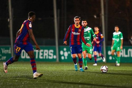 Suasana laga Cornella vs Barcelona (Foto: Twitter/@FCBarcelona_es)