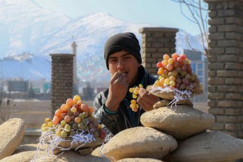 Teknik simpan anggur gangina. (Foto: Facebook and Livestock Afghanistan)