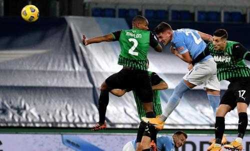 Sergej Milinkvovic-Savic mencetak gol (Foto: Twitter/@OfficialSSLazio)