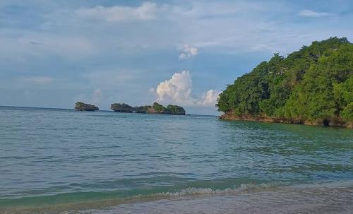 Pantai Molii Sahatu
