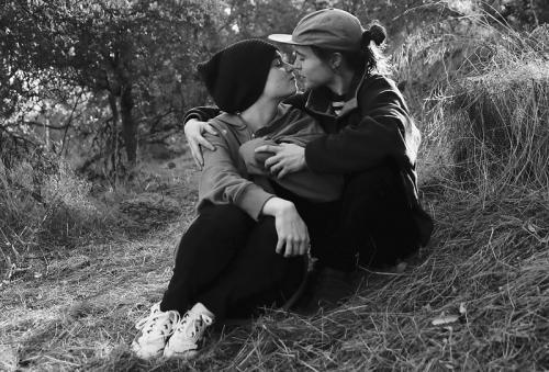 Elliot Page dan Emma Portner. (Foto: Instagram)