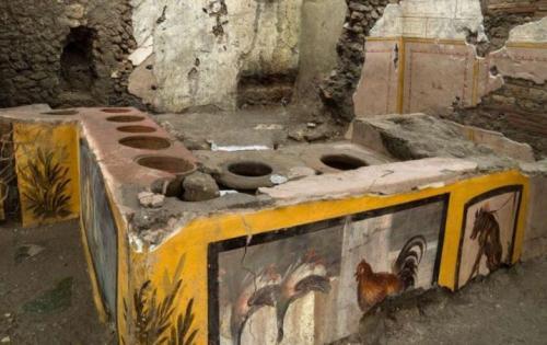 Resto cepat saji di Pompeii