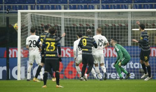 Inter Milan unggul cepat di menit tujuh (Foto: Reuters/Alessandro Garofalo)