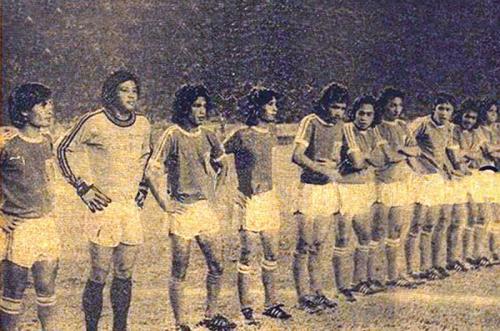 Sudarno (kedua dari kiri). Foto: Dokumen Persija Jakarta