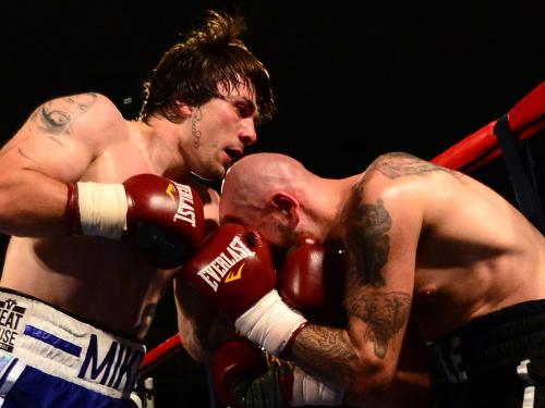 Mike Towell vs Dale Evans