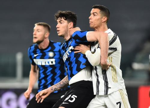 Inter Milan tersingkir di tangan Juventus (Foto: Reuters/Massimo Pinca)