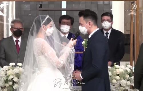 Billy Davidson dan Patricia Devina menikah. (Foto: YouTube/Patricia Devina)