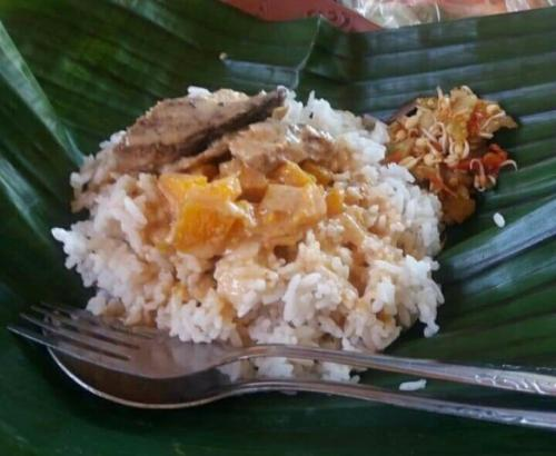 Nasi sodu khas Situbondo. (Foto: Avirista Midaada/Okezone)