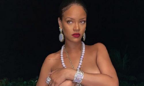 Rihannad topless