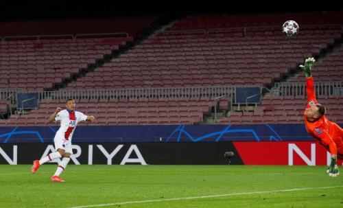 Kylian Mbappe vs Barcelona (Foto: Reuters)