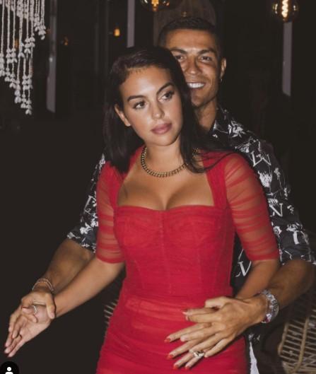 Georgina Rodriguez dan Cristiano Ronaldo (Foto: IG/@georginagio)